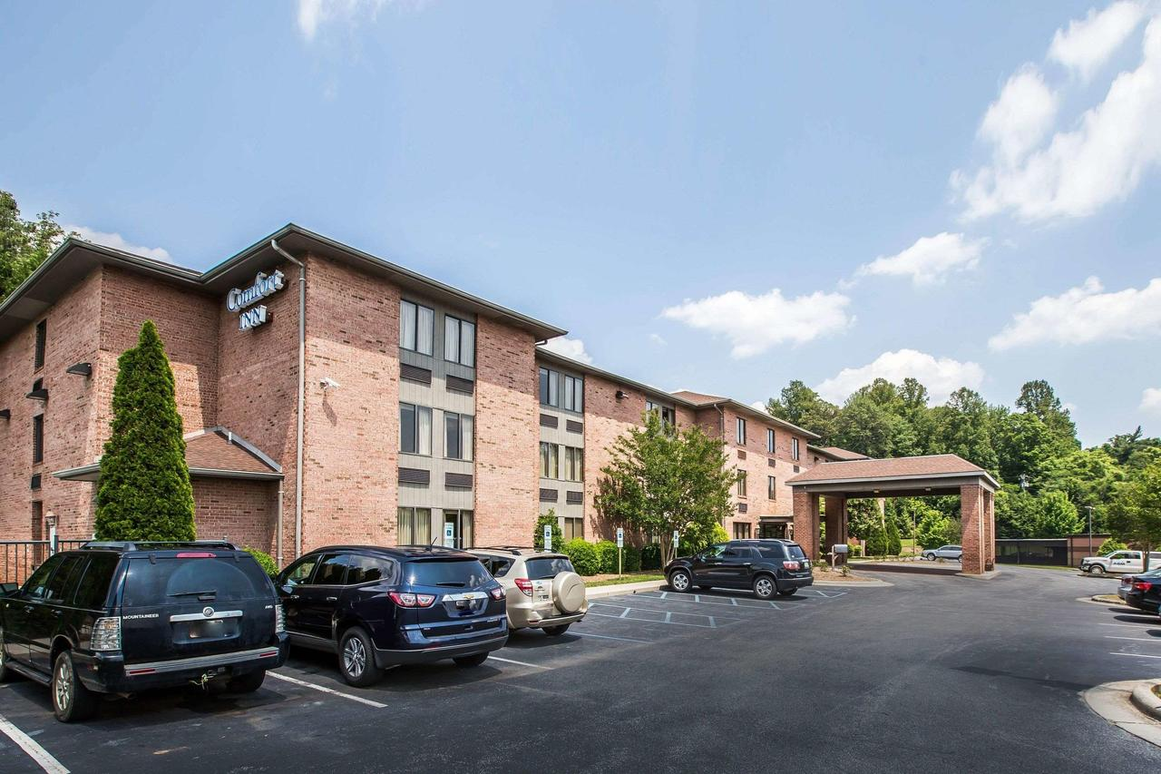 Comfort Inn  Suites Lenoir Hwy 321 Northern Foothills