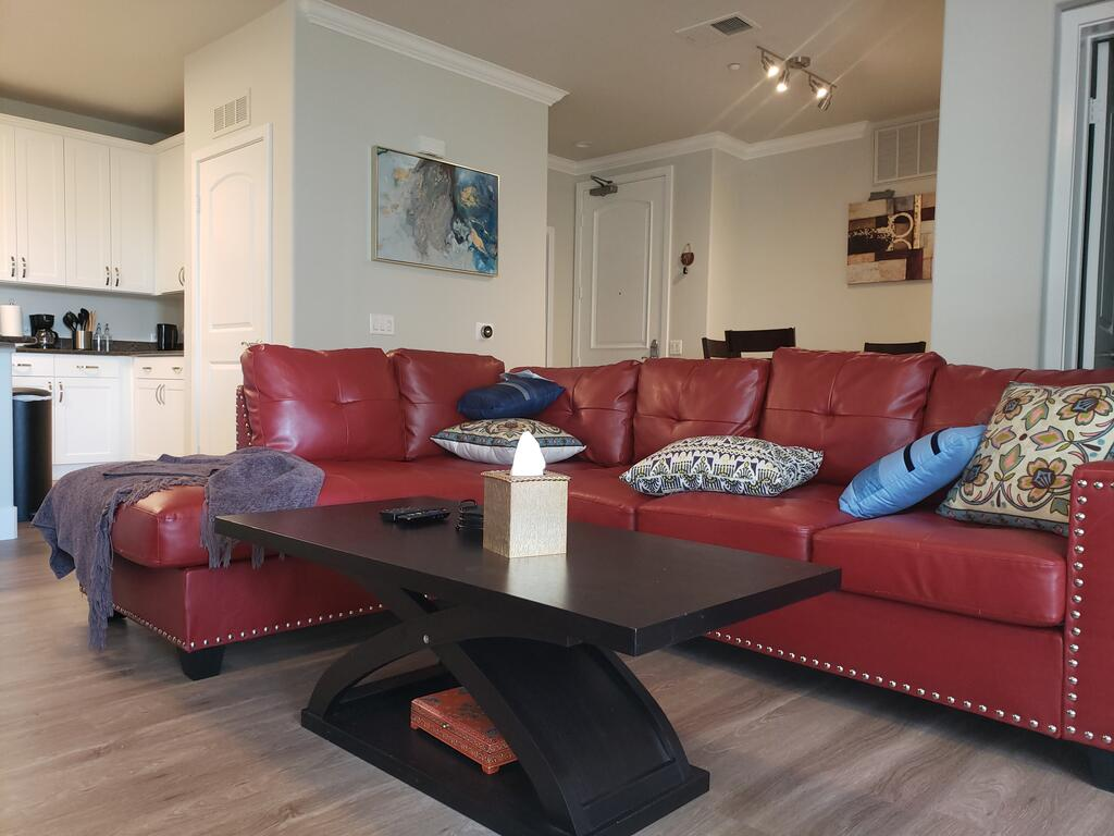 Executive Luxury Condo 2 suits and 3 baths at Fashion Valley FC1