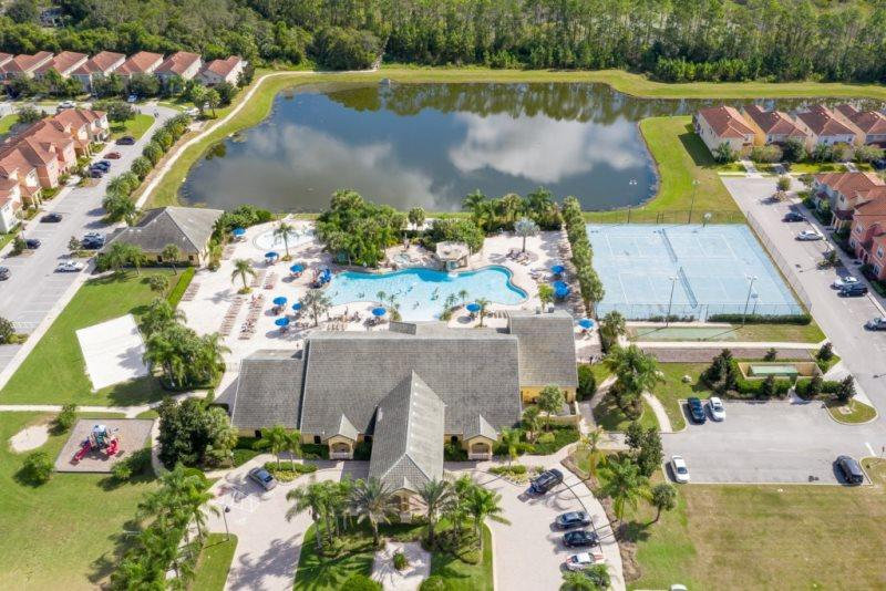 Stunning Orlando Area Resort 5 Bedroom 5 Bath Pool Home